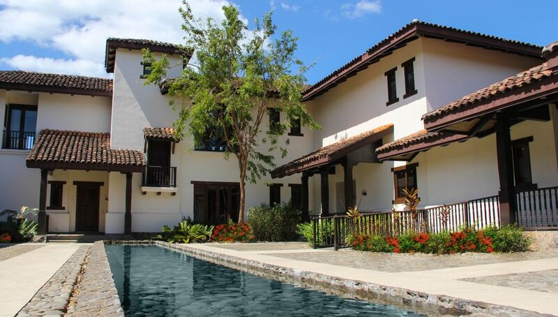 exterior-hacienda-club-fractional-private-residence-club-in-cr-800x454
