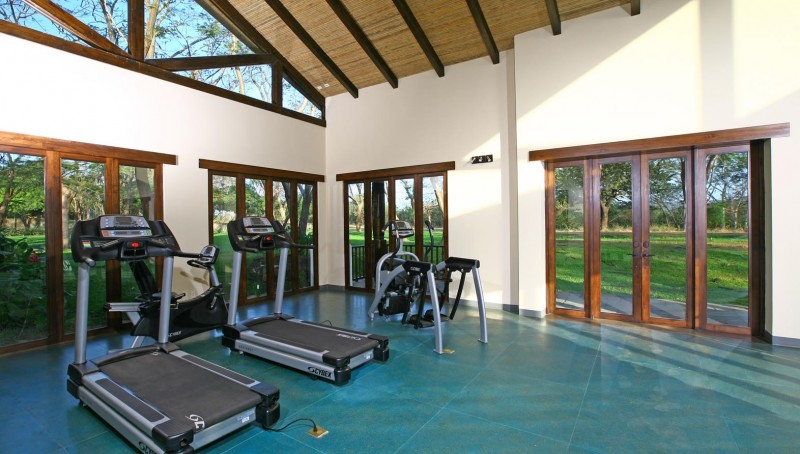 gym-at-the-hacienda-club-in-hacienda-pinilla-costa-rica-800x454
