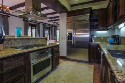 hacienda-club-fractional-villa-kitchen-14-800x454